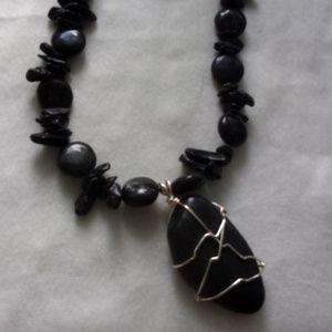 Jewelry - Stone bold art statement neecklace